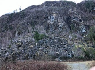 Vancouver, WA, Company Trying to Leverage Old Gravel Pit Permit to Blow Up Mountain